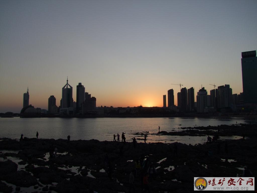 夕阳中的青岛(摄影作品)