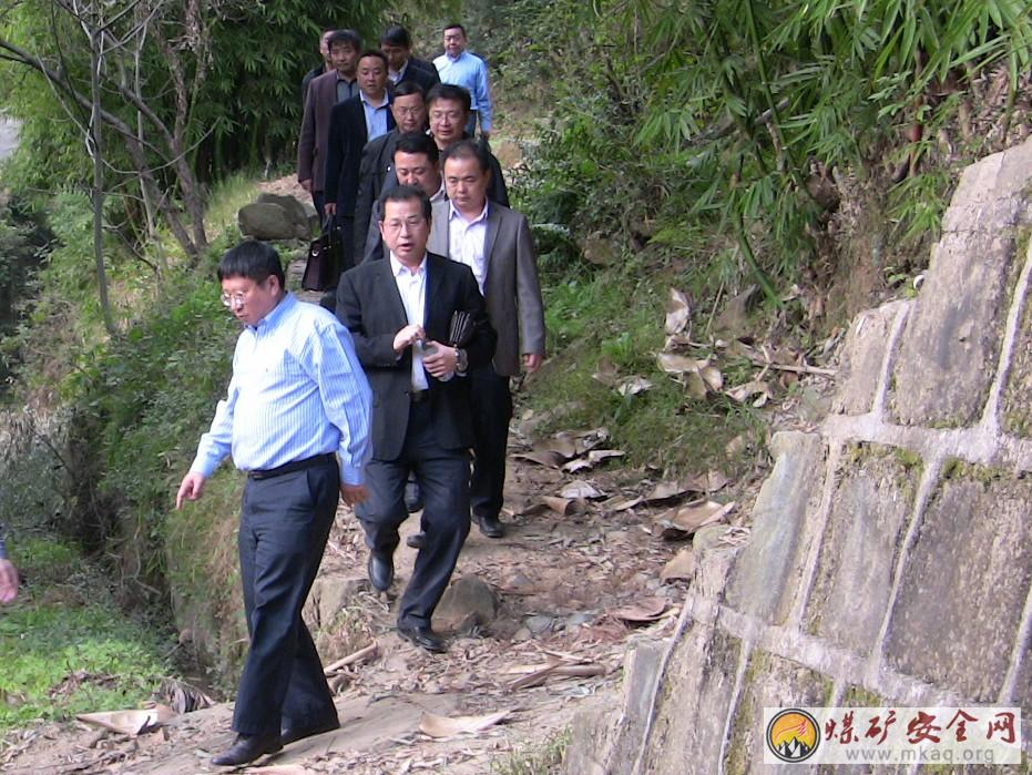 肖天任到广旺荣山煤业指导工作并强调:以只争朝夕的精神搞好矿井生产恢复工作
