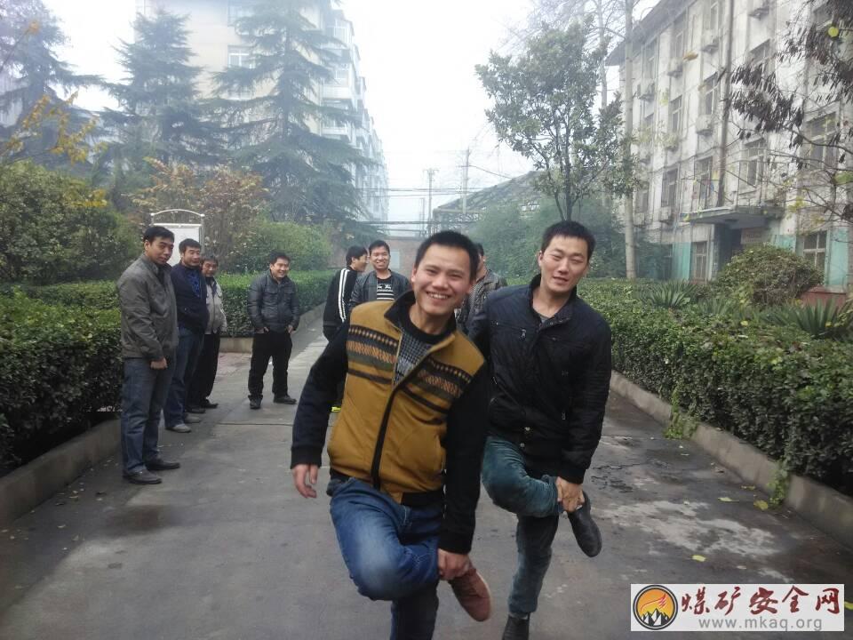 峰峰集团大社矿二采区工会开展文体活动丰富多彩